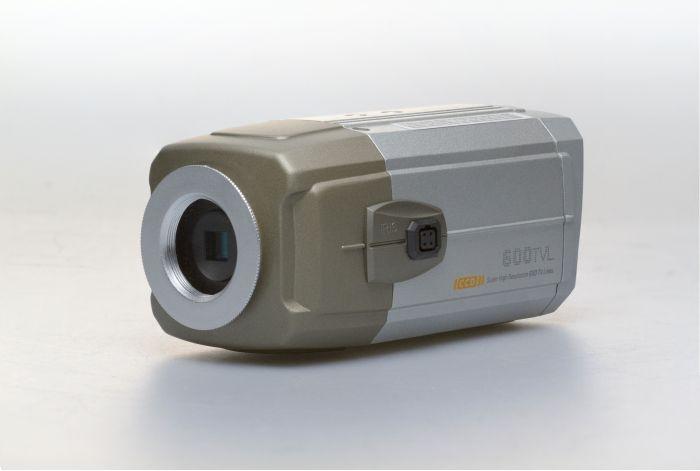 CNB B152-0 650 TVL Analog Indoor Color Box Camera, No Lens B152-0 by CNB